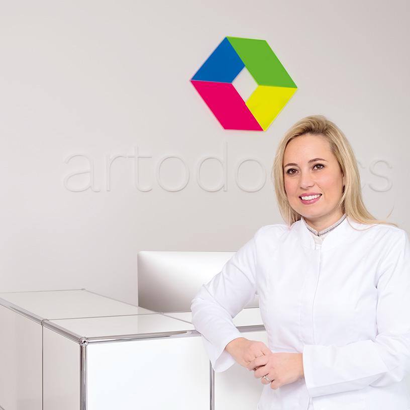 Dr. Isabelle Figel